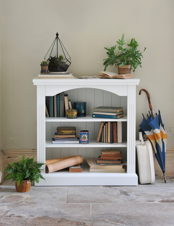 Chantilly bookshelf