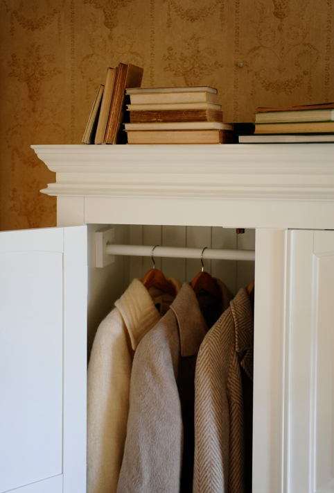 Burford Wardrobe, White, Painted, Classic, Cornicing Hanging garments, hanging rail, vintage books, bedroom furniture, dream bedroom
