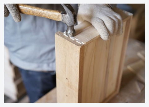 LOOK A LITTLE CLOSER; HAND CRAFTED OAK INDETAIL