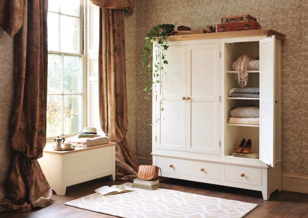 Mottisfont Tripple Wardrobe, Vintage Wallpaper, Blanket Box, Antique Curtains, Bedroom, Wooden Floors, Rug