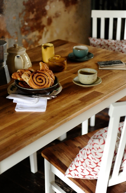 Tableware, crockery, oak table, painted dining, dining set
