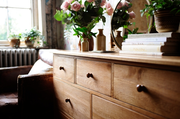 Books, Oak Furniture, Flowers, Chest of Drawers, dream bedroom