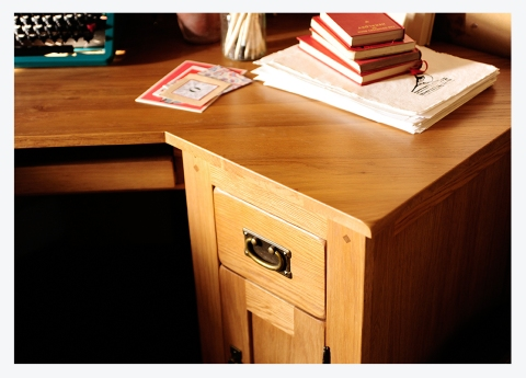 MODERN COUNTRY LIVING #7…OAKLAND CORNER DESK