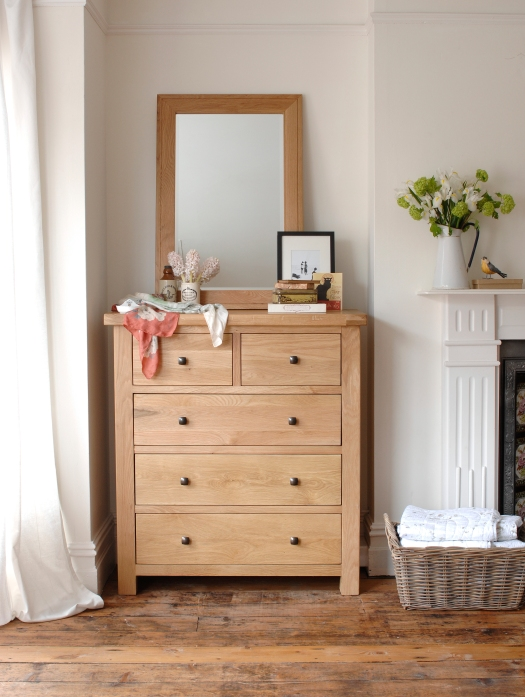 Oak chest of drawers, alcove, recess, fireplace, bedroom, dream bedroom, oak furniture, bedroom furniture