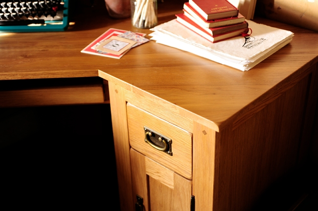 Oak desk, oak surface, home office, paper, typwriter