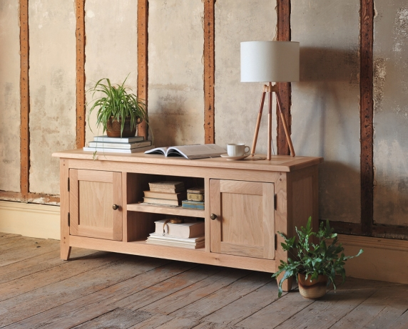 Oak TV unit, natural oak, rustic, modern country, wooden floors, exposed beams
