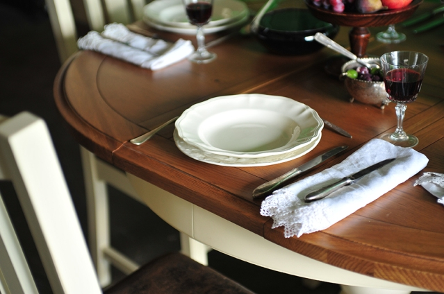 Plates, red wine, dining, table setting, napkin