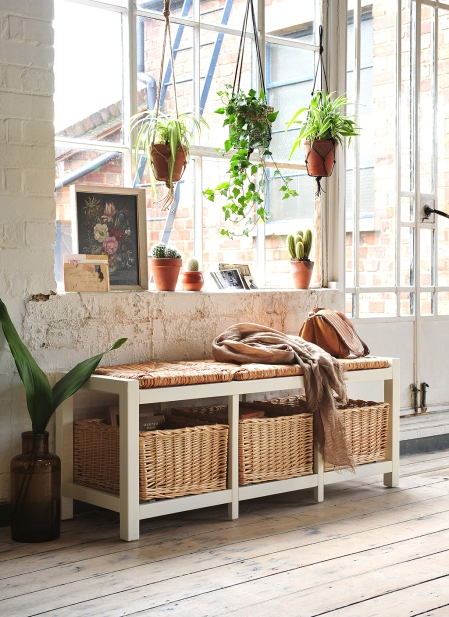Wicker and wood hall bench, country style, wicker baskets, macrame, hallway, hall storage, cacti, ivy, wooden floors
