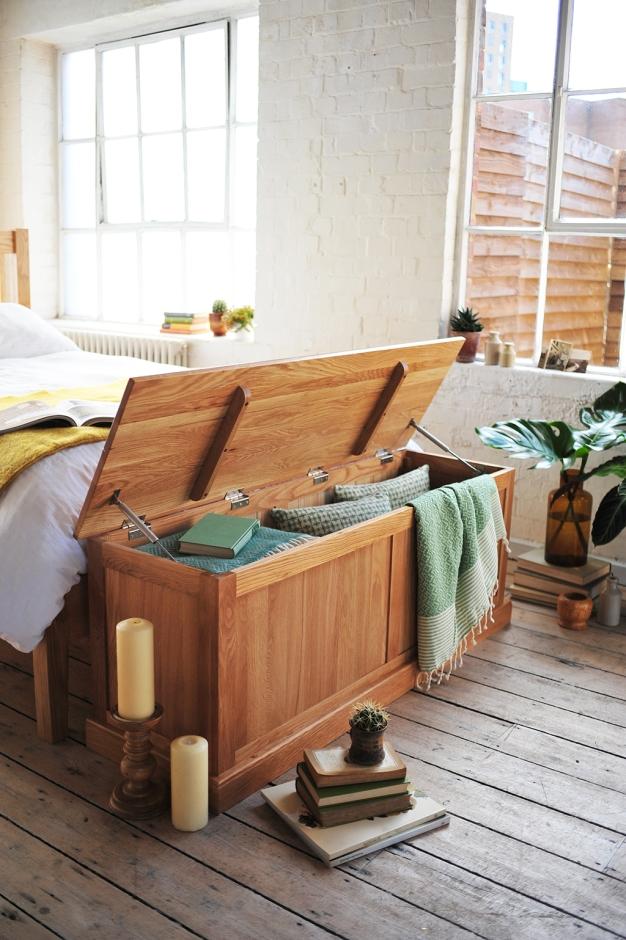 clever storage, hidden storage, bench, blanket box, linen box
