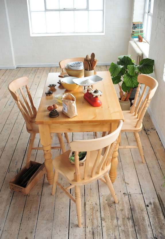 Dining, baking, cooking, pine dining furniture