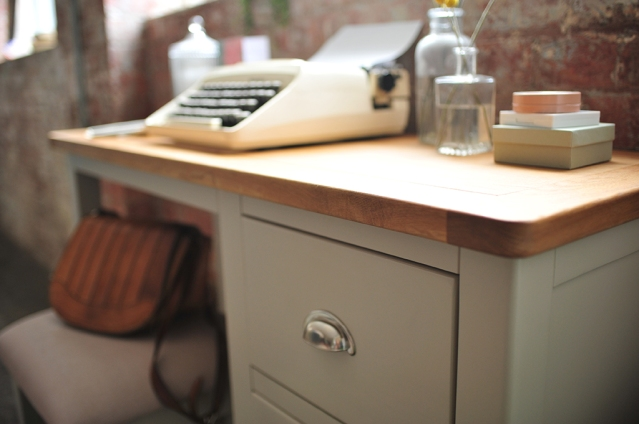 grey dressing table, grey furniture, typewriter, leather bag, girls room