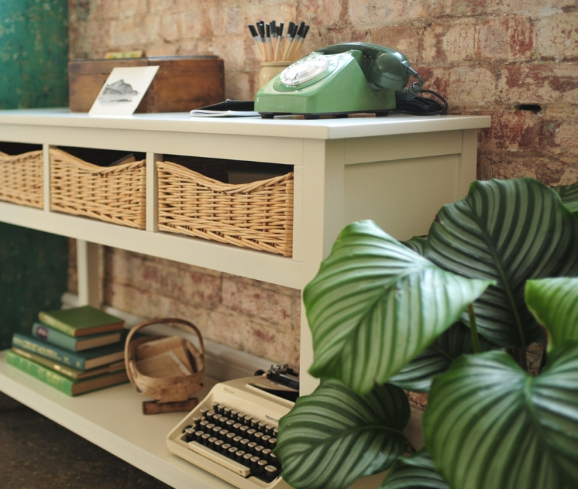 Farmhouse Ivory Console Table