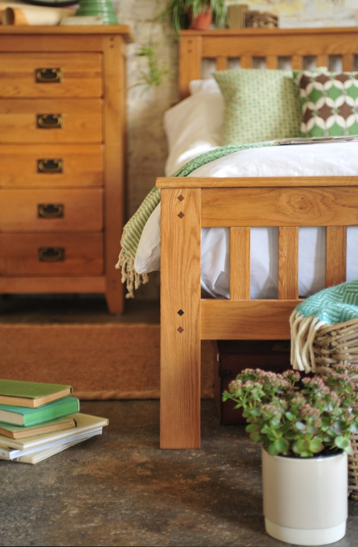Oak bed, Oak bedroom furniture, oak care, caring for your furniture
