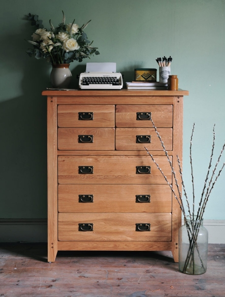 Oak chest of drawers, rustic oak, oakland, flowers, typewriter, green wall