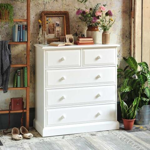 White bedroom furniture, vintage bedroom, textured wall, roses