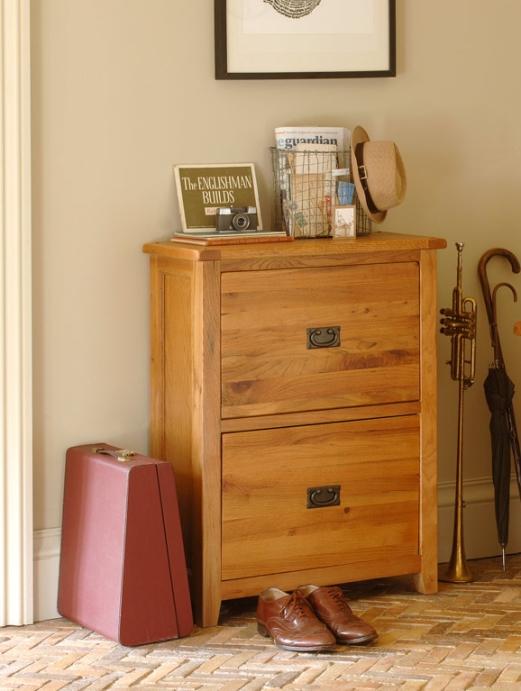 Cottage Oak Shoe Storage