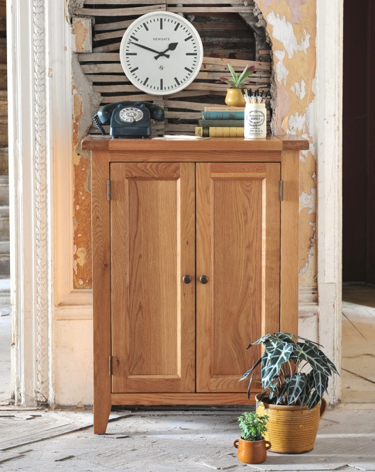 Oak hallway cupbaord, porch, hallway, storage