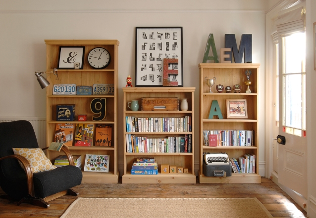 Pine book cases, typography, fonts, graphic design
