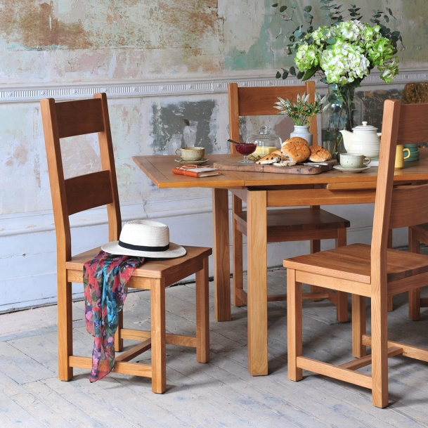 Oak Chair, country kitchen, oak table, hydrangeas