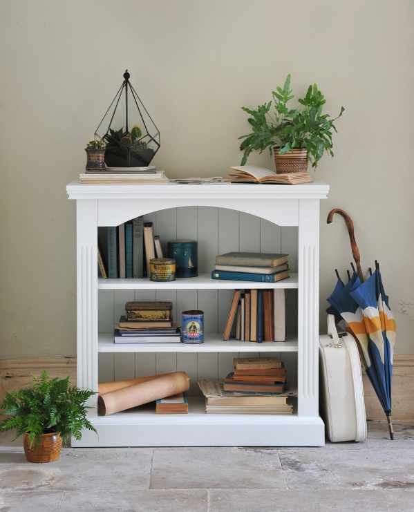 bookcase-beauty-terrarium-blue-books-vintage-home-country-house-flag-stone-floor