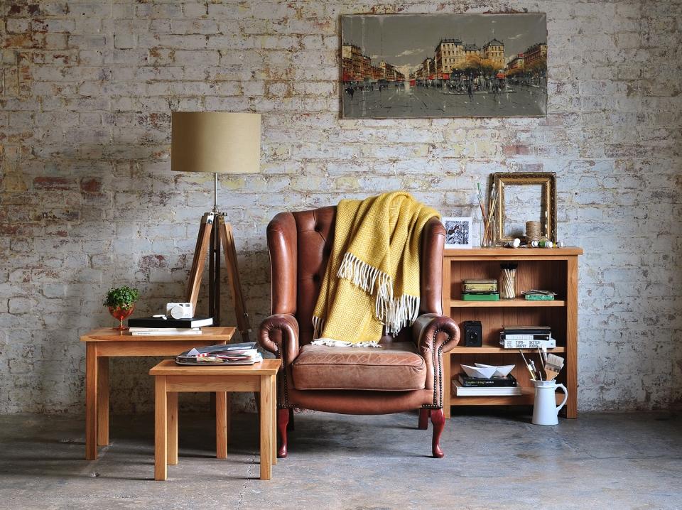 oak-bookcase-artist-art-rustic-home-rustic-beauty-leather-chair-oak-furniture