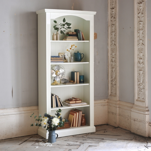 white-bookcase-painted-furniture-bookcase-beauty-vintage-home-rustic-home-country-living