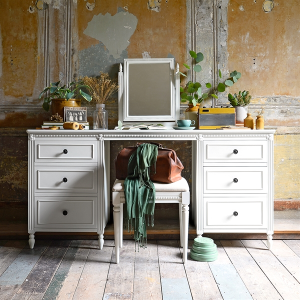 Malmesbury Dressing Table Set
