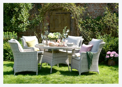 An English Country Garden // Our New Outdoor Dining Range