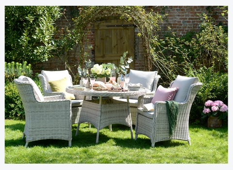 An English Country Garden // Our New Outdoor DiningRange